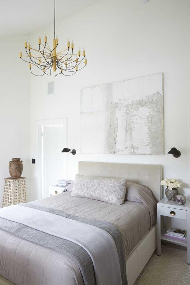 Faça um quarto de casal simples e decorado.