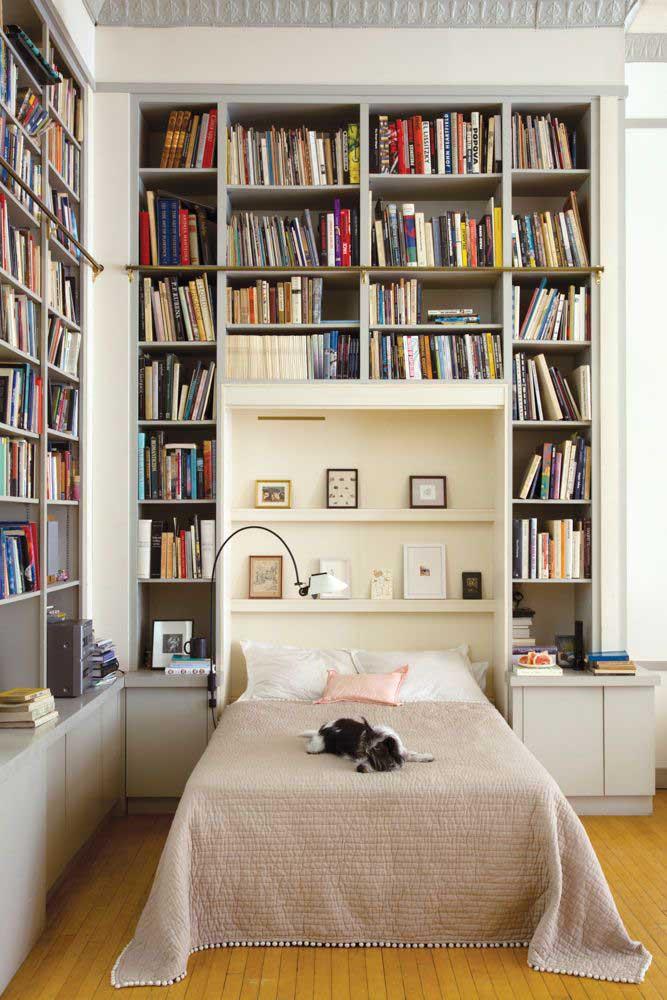 Um quarto de casal para quem é amante dos livros.