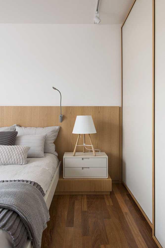 Um abajur delicado para decorar seu quarto.