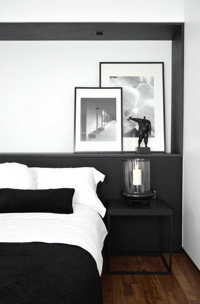 Incrível como a combinação das cores branco e preto deixa o ambiente mais moderno.