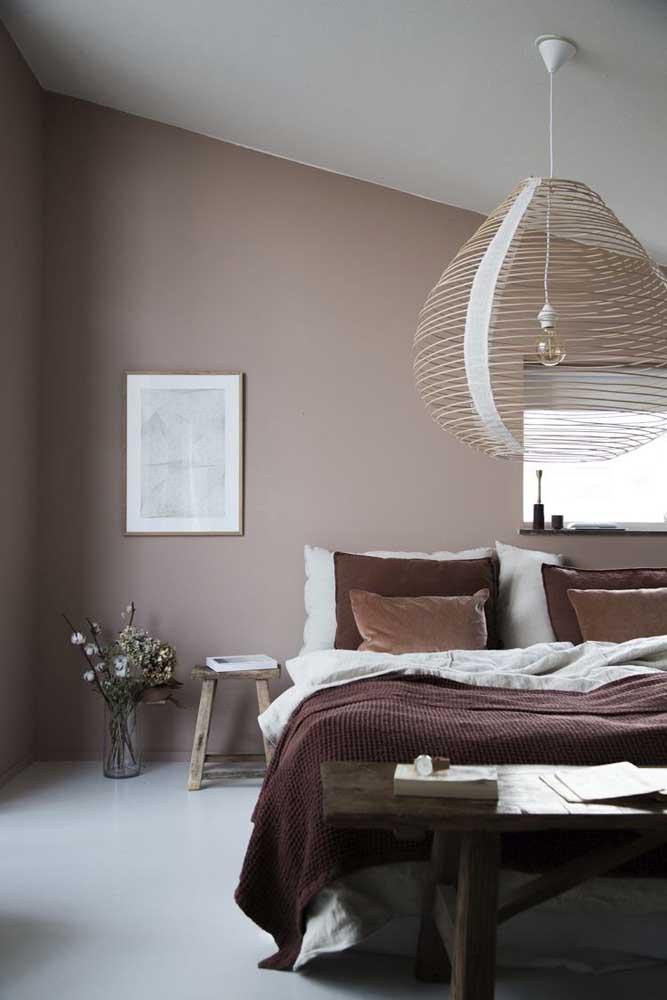 Que bela luminária para colocar no quarto de casal.