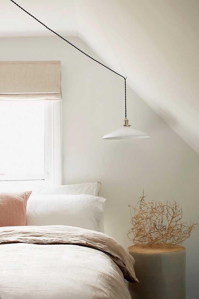 Não deixe de escolher uma boa iluminação para o seu quarto.