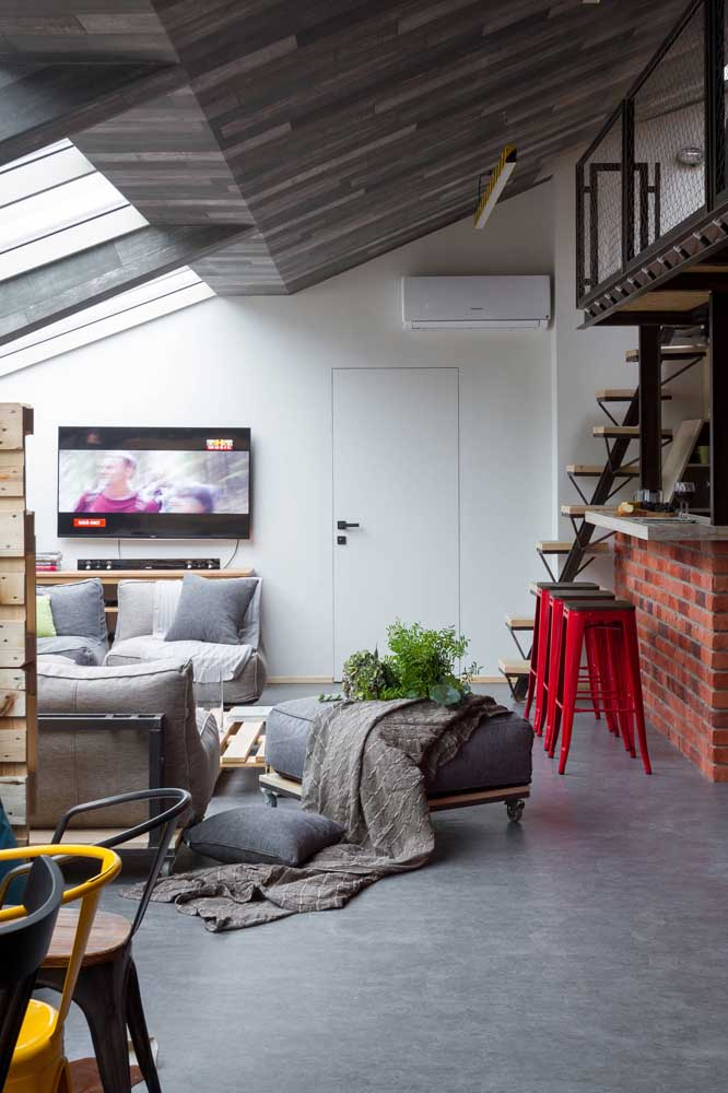 Saiba escolher adequadamente os móveis e itens decorativos da sala.