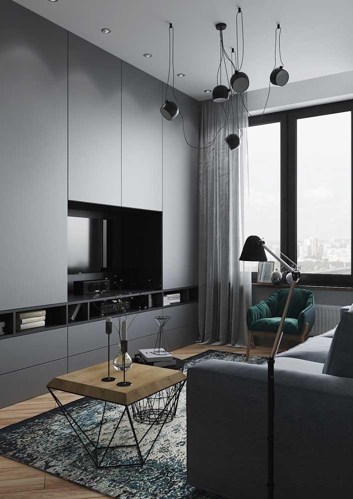 Você pode escolher móveis cinza para compor a decoração do ambiente.