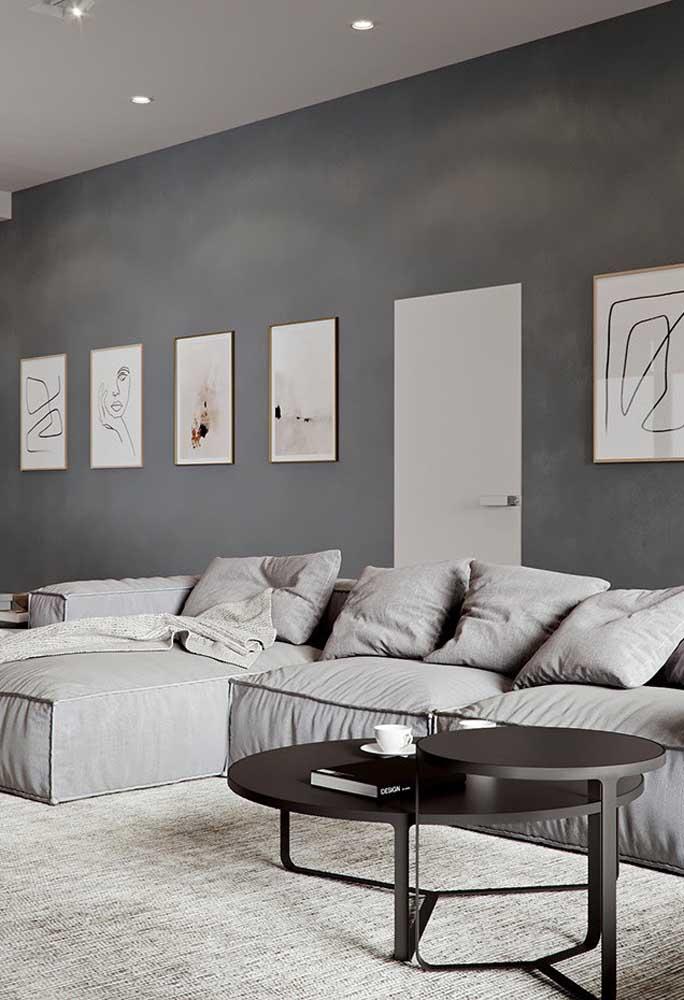 Na sala de estar cinza você pode usar vários tons desde o mais claro até mais escuro.
