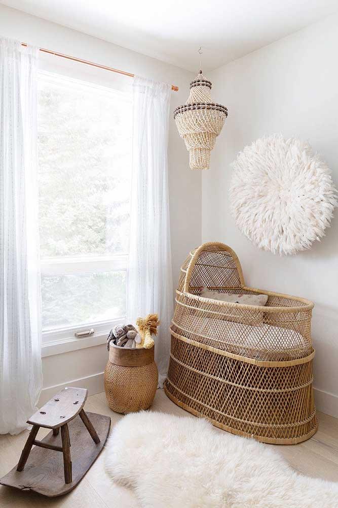 Nada melhor do que colocar um tapete felpudo no quarto do bebê.