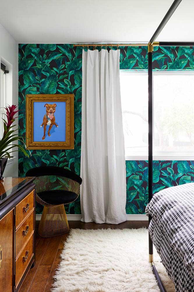 Na hora de decorar o quarto faça o contraste entre a cor da parede e do tapete.