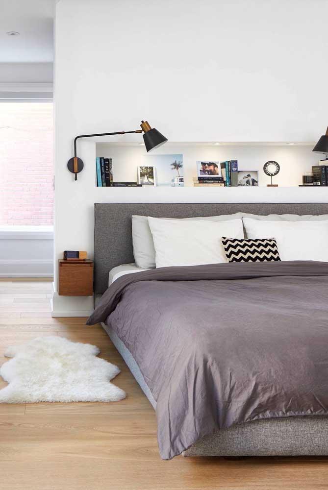 Mesmo pequeno o tapete felpudo apresenta mais volume que os demais.