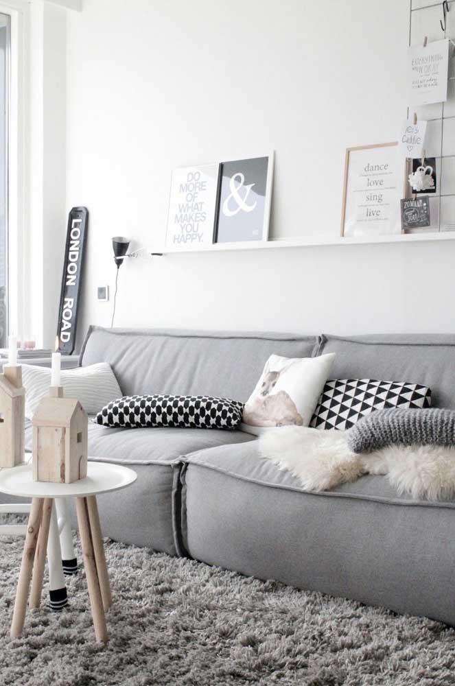 O tapete felpudo é perfeito para deixar o ambiente mais aconchegante.