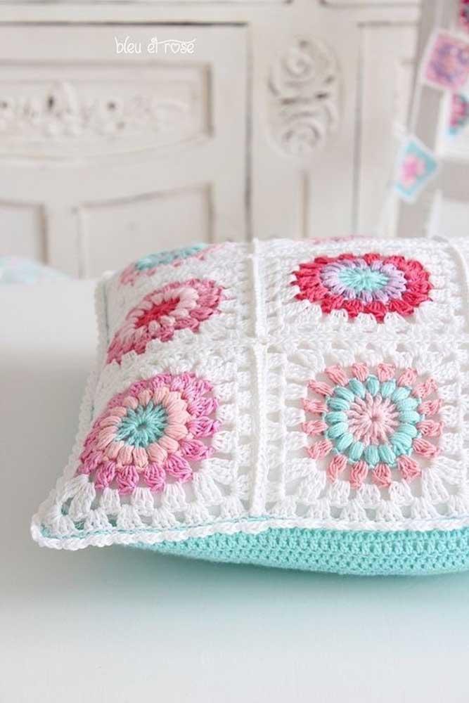 O crochê também é uma ótima técnica para criar peças delicadas.