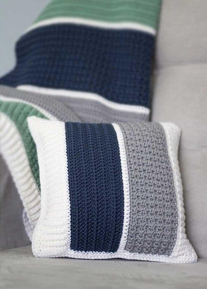 Faça combinações de cores com várias almofadas.