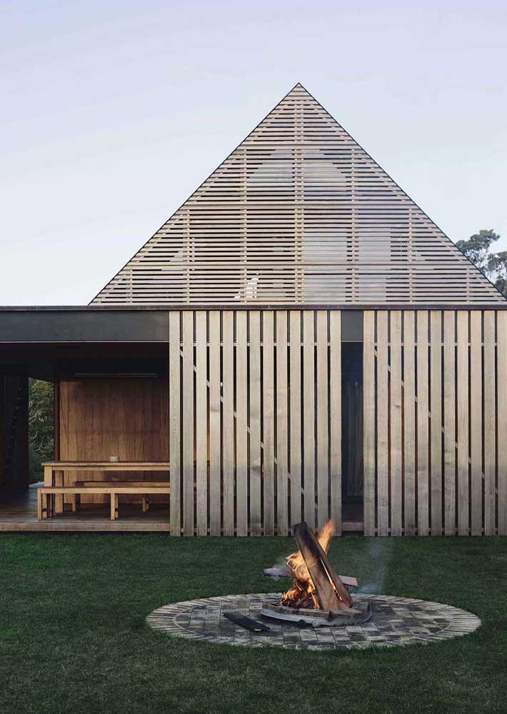 Casa de campo tem que ter espaço para fogueira