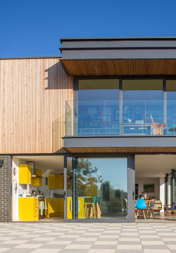 Casa de campo integrada por dentro e por fora