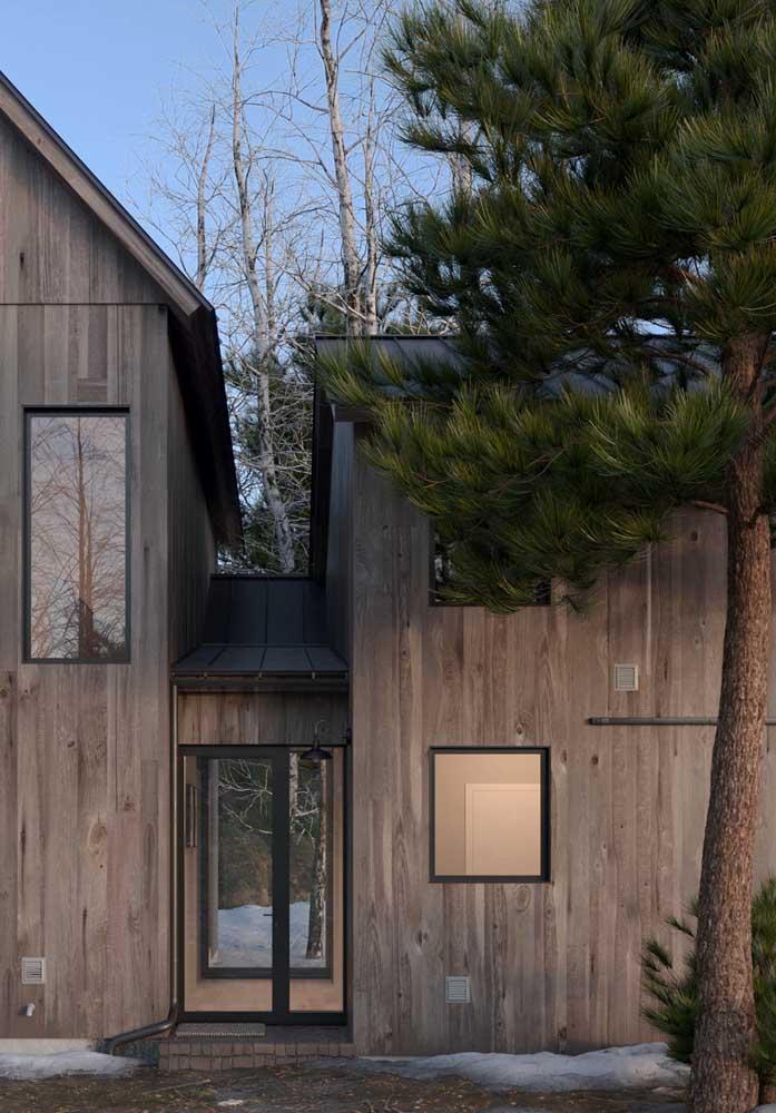 Mas não se engane. A madeira também é perfeita em projetos modernos