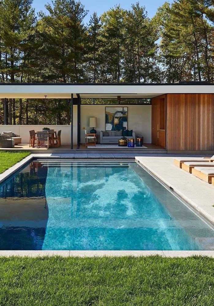 Casa de campo com piscina e edícula