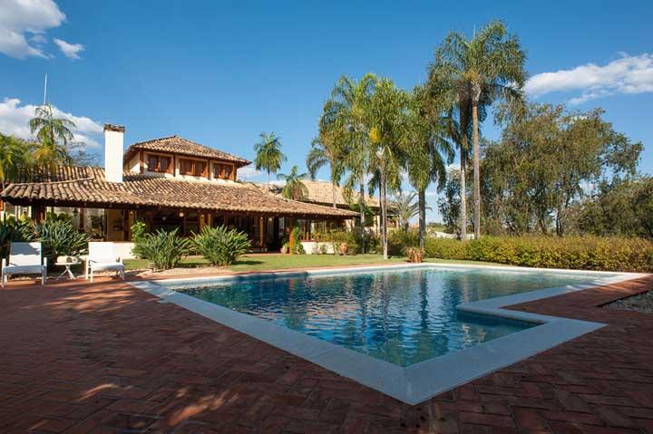 Casa de campo rústica e com piscina. Um clássico!