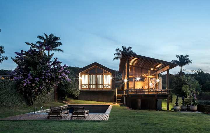 Casa de campo rústica para curtir de dia ou de noite!