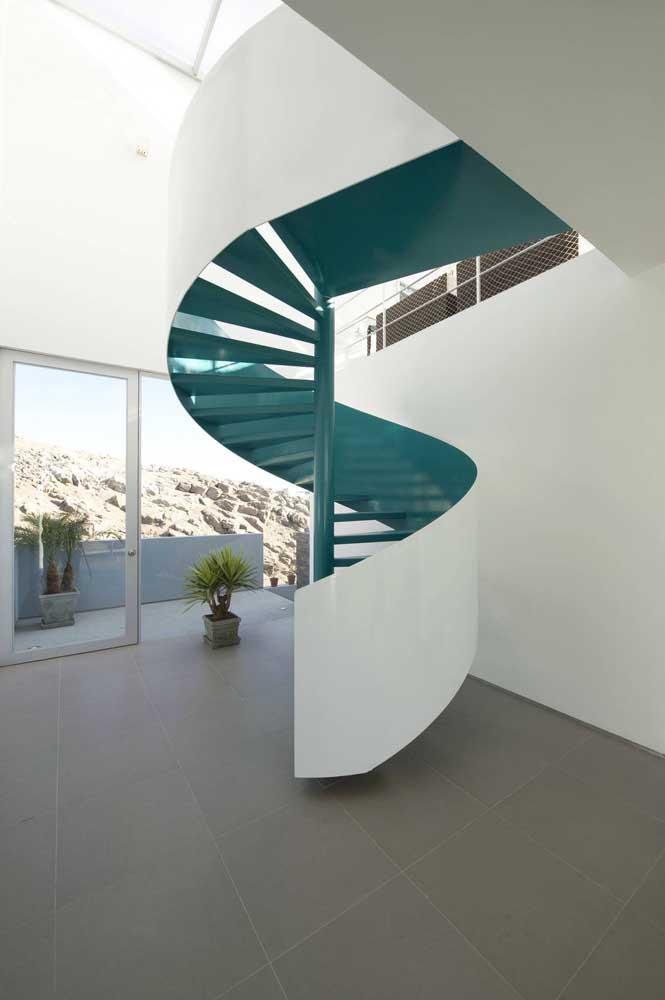 Mas às vezes a própria escada de ferro já é uma perfeita decoração.