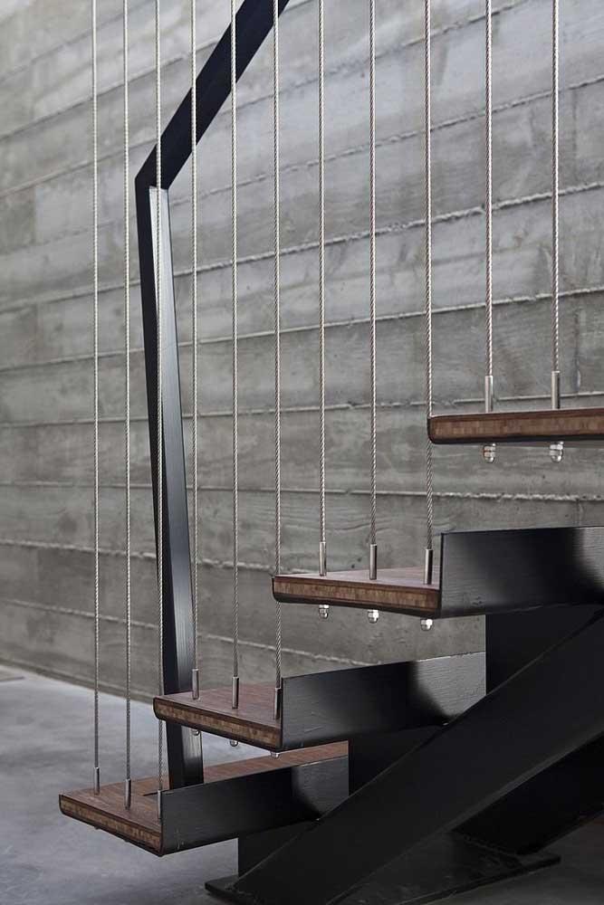 O detalhe do corrimão dessa escada faz toda a diferença no seu design.