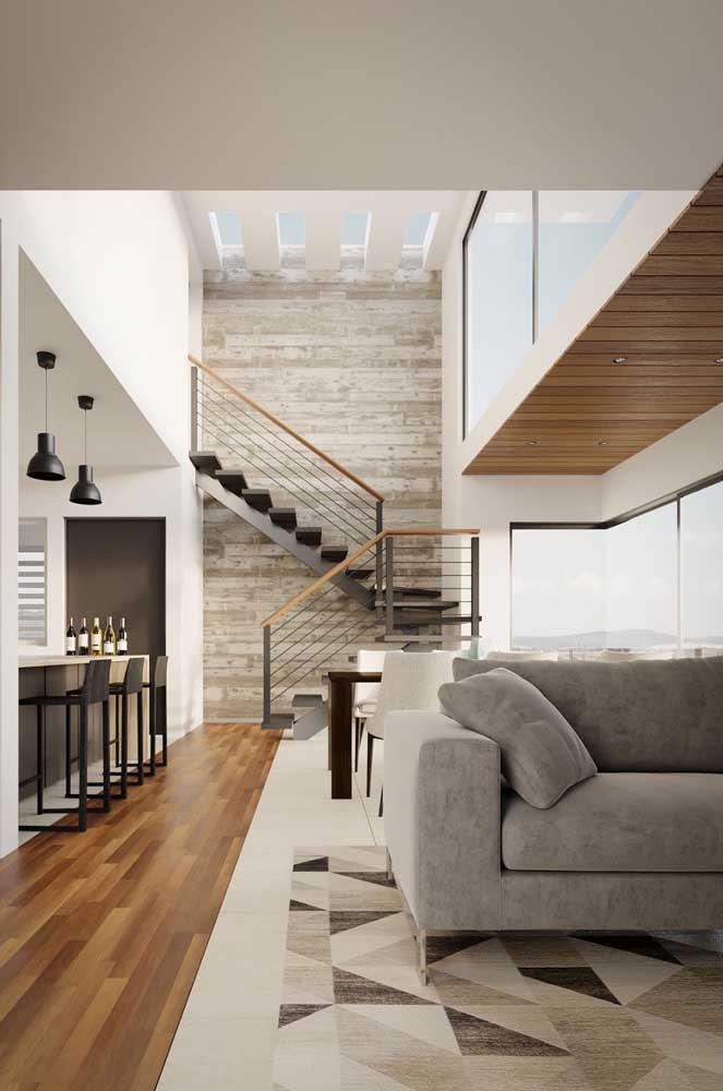 O mais interessante é que a escada de ferro pode ser projetada para qualquer espaço.