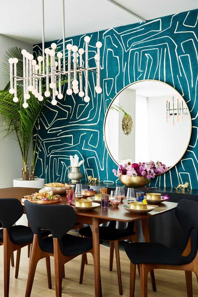 Veja que papel de parede incrível para você colocar na sala de jantar.