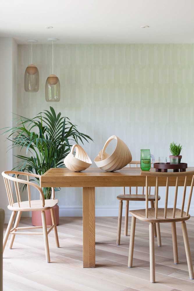 O papel de parede claro é a opção perfeita para um ambiente mais clean.