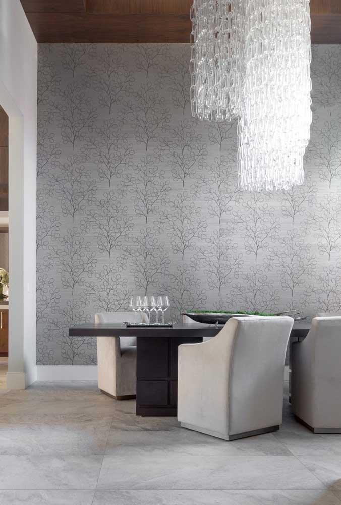 Olha que belo papel de parede para sala de jantar bege.
