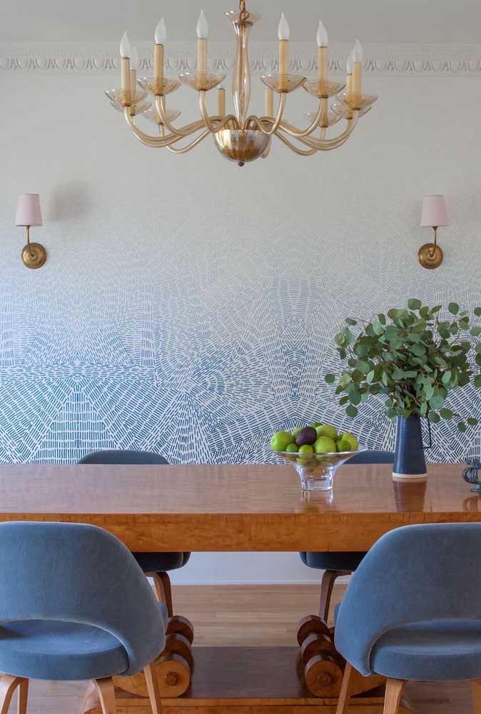 Nada mais moderno do que papel de parede com duas cores.