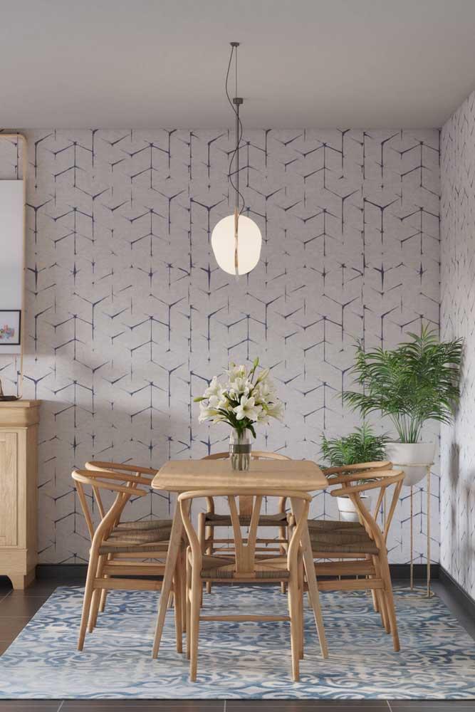 Na hora de escolher o papel de parede para sala de jantar leve em consideração alguns fatores como a combinação com os móveis.