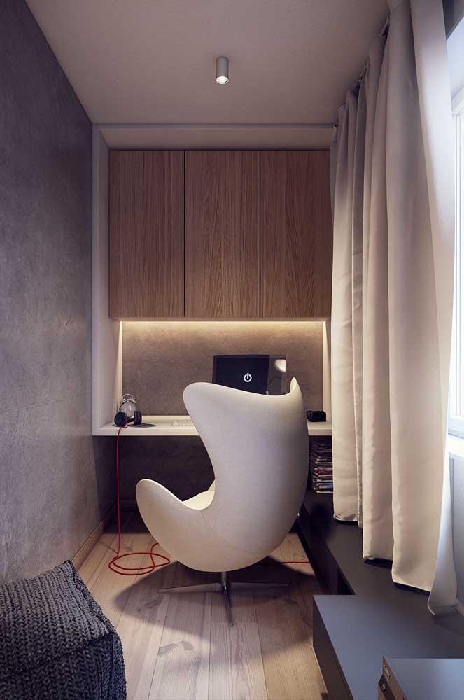 Além da sala de estar, a poltrona egg é bastante usada em home office.