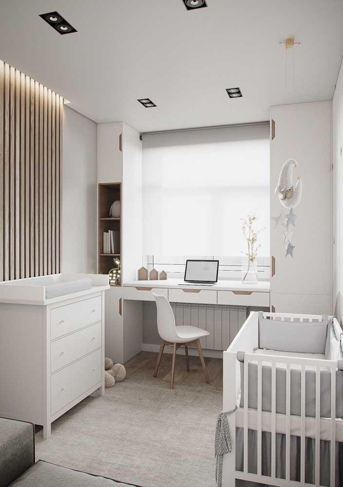Para ter um ambiente mais tranquilo faça uma decoração com a cor branca.