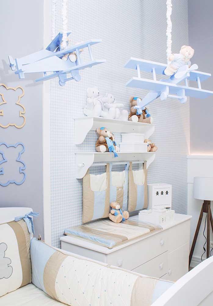 O tema avião pode ser uma ótima opção de decoração de quarto de bebê masculino.