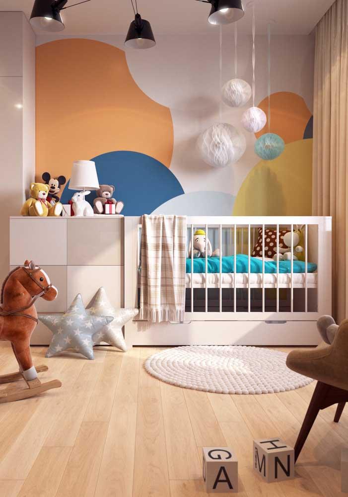 Você pode usar várias cores para quarto de bebê masculino.
