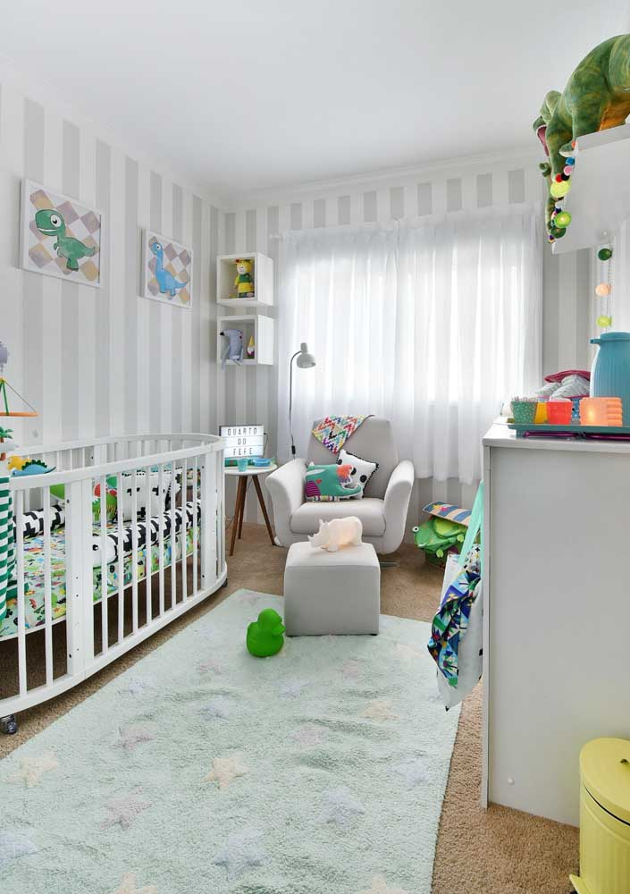 A poltrona de amamentação é um dos móveis que não podem faltar no quarto de bebê.