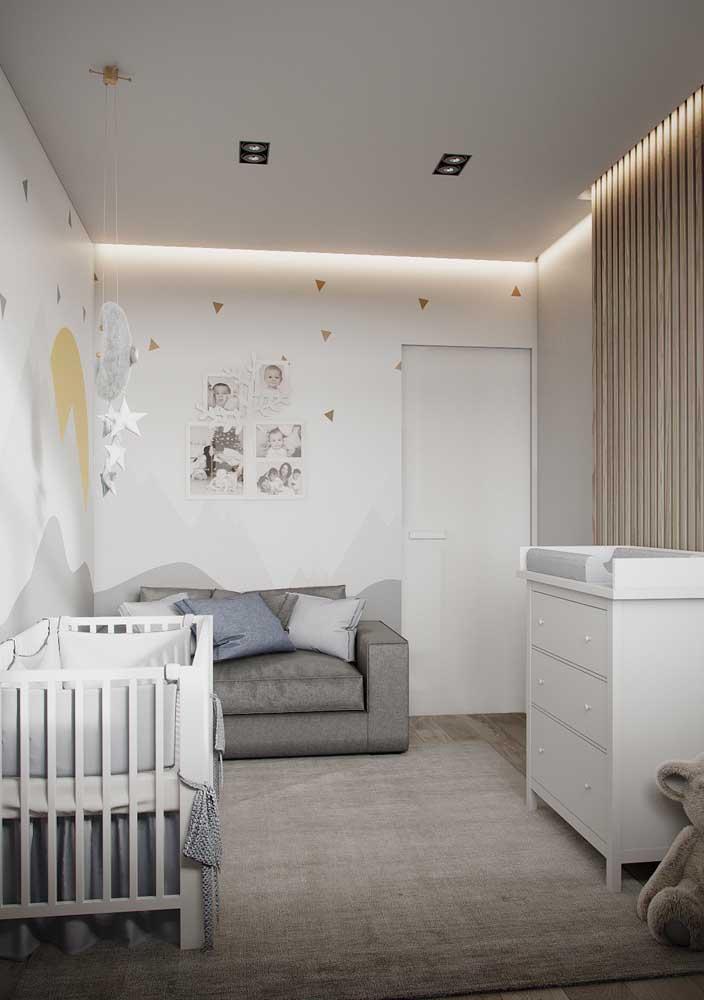 Evite uma iluminação muito forte no quarto de bebê.