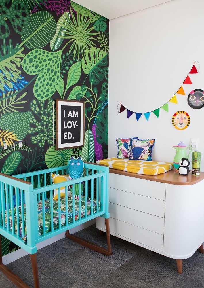 Deixe seu bebê mais perto da natureza com esse papel de parede.