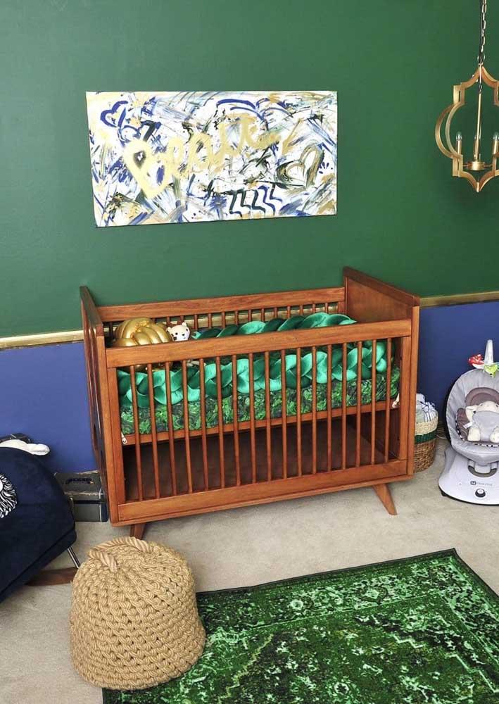 A cor verde é uma ótima opção para substituir a cor azul no quarto de bebê masculino.
