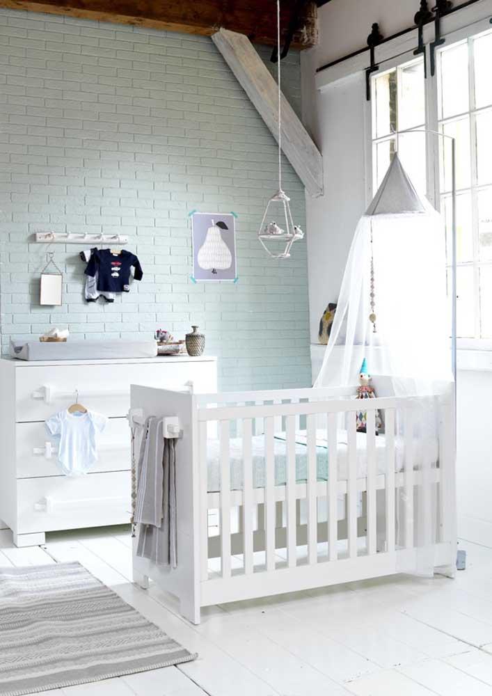 Um quarto de bebê com o clima clean e tranquilo é tudo o que seu filho precisa.