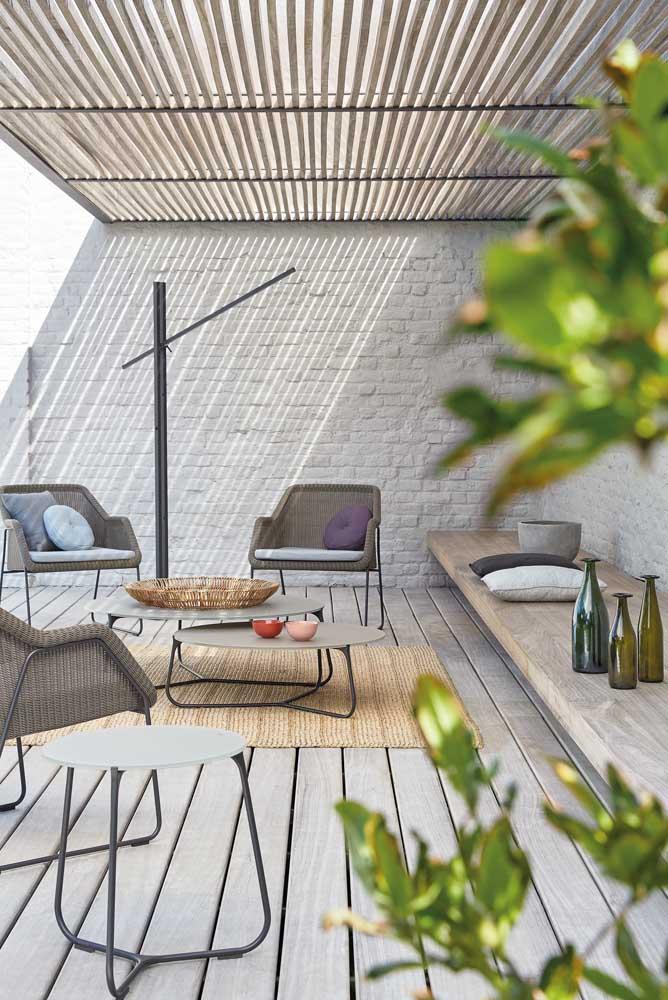 Uma área de lazer pequena e simples já ajuda a relaxar depois de um dia cansativo.