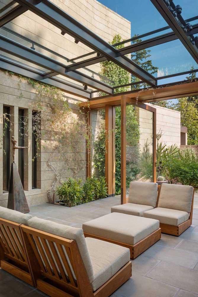 A escolha dos móveis da área de lazer pode fazer uma enorme diferença na decoração.