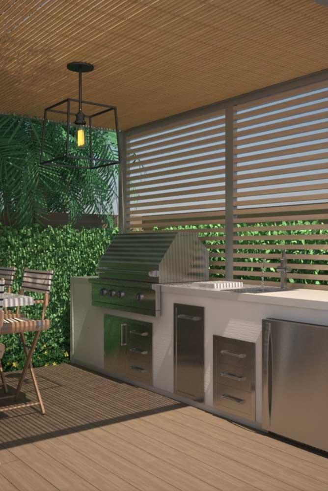 Móveis modernos e com design diferenciados são perfeitos para a área de lazer pequena e moderna.