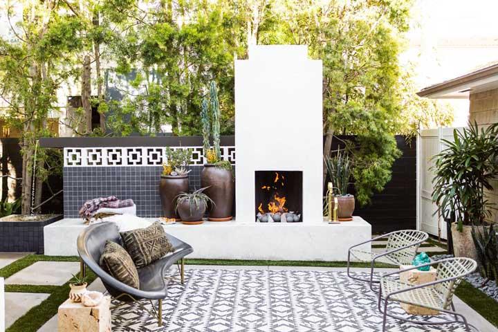 Que tal uma lareira quentinha para aquecer naqueles dias mais frios?