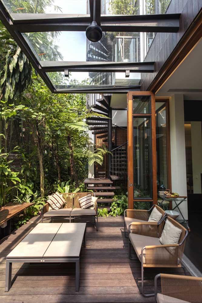 Para ser uma área de lazer funcional o mais indicado é construir em uma área coberta.