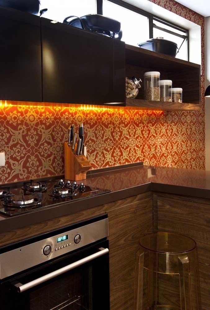 Você já pensou em fazer uma cozinha com granito marrom absoluto?