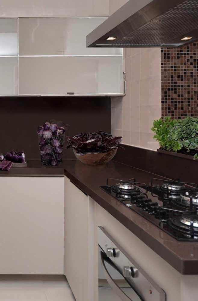 O granito marrom absoluto combina com os mais variados tipos de decoração.