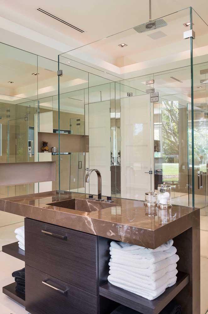 Veja que bela pia de granito marrom absoluto você pode ter no banheiro.