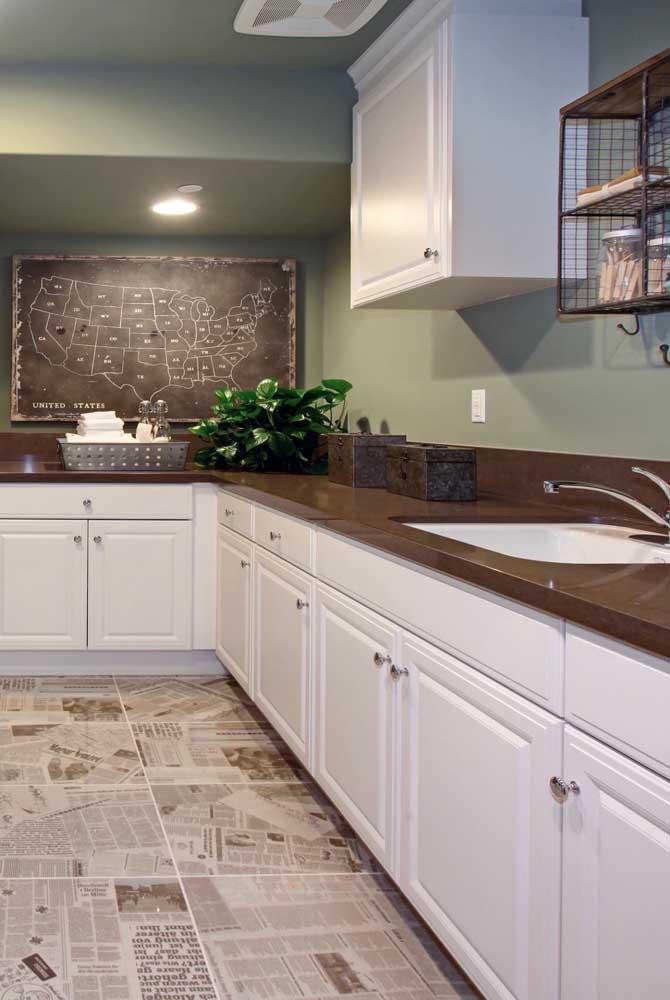 Você pode usar o granito marrom absoluto em toda bancada da cozinha.