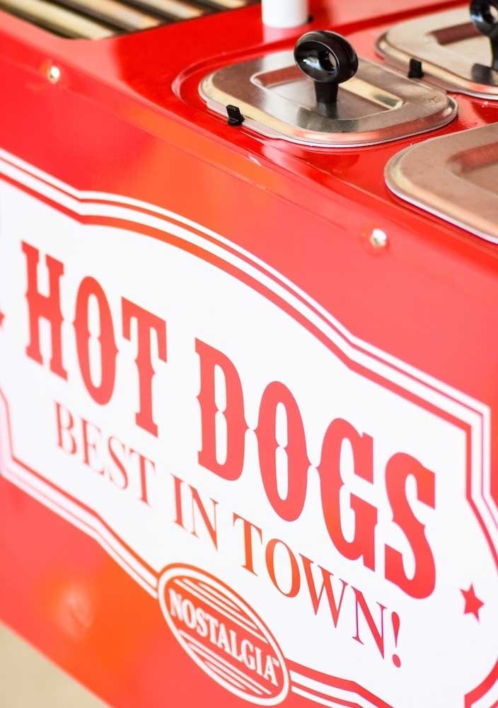 Alugue um carrinho de cachorro quente para deixar a festa ainda mais estilosa