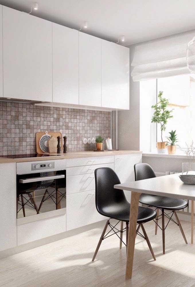 As pastilhas na cozinha deixam o ambiente mais sofisticado e elegante.