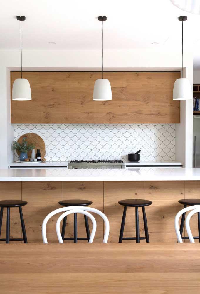 Destaque a sua cozinha com pastilhas adesivas.